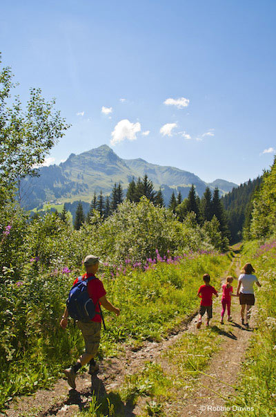 Image of hillwalkers in Morzine