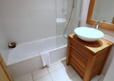 Apt-6-Bathroom