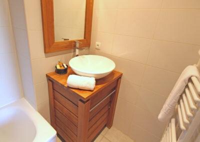 Apt-9-Bathroom-1